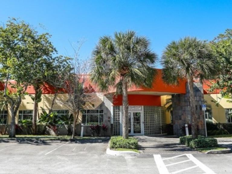 $4.9MM - Multi-tenant office building - Weston, Florida