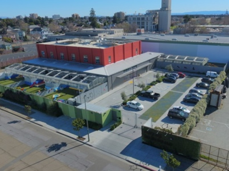 $4.05MM - Industrial property - Oakland, California