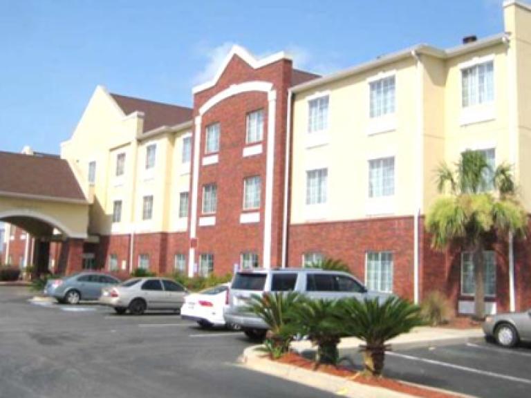 $3.6MM - 69 room Comfort Inn Suites & Hotel - Orangeburg, SC